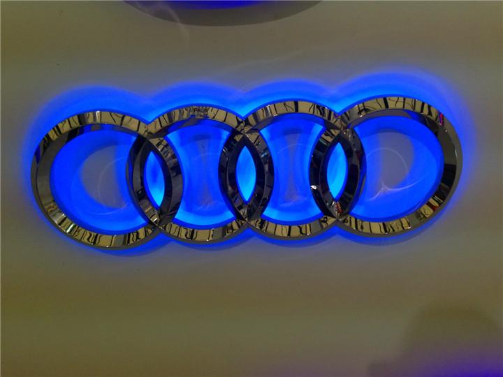 产品信息:   金属发光字就是指生产厂家把自己设计的